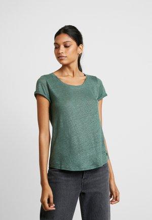 ALMA TEE - T-shirts - bottle green