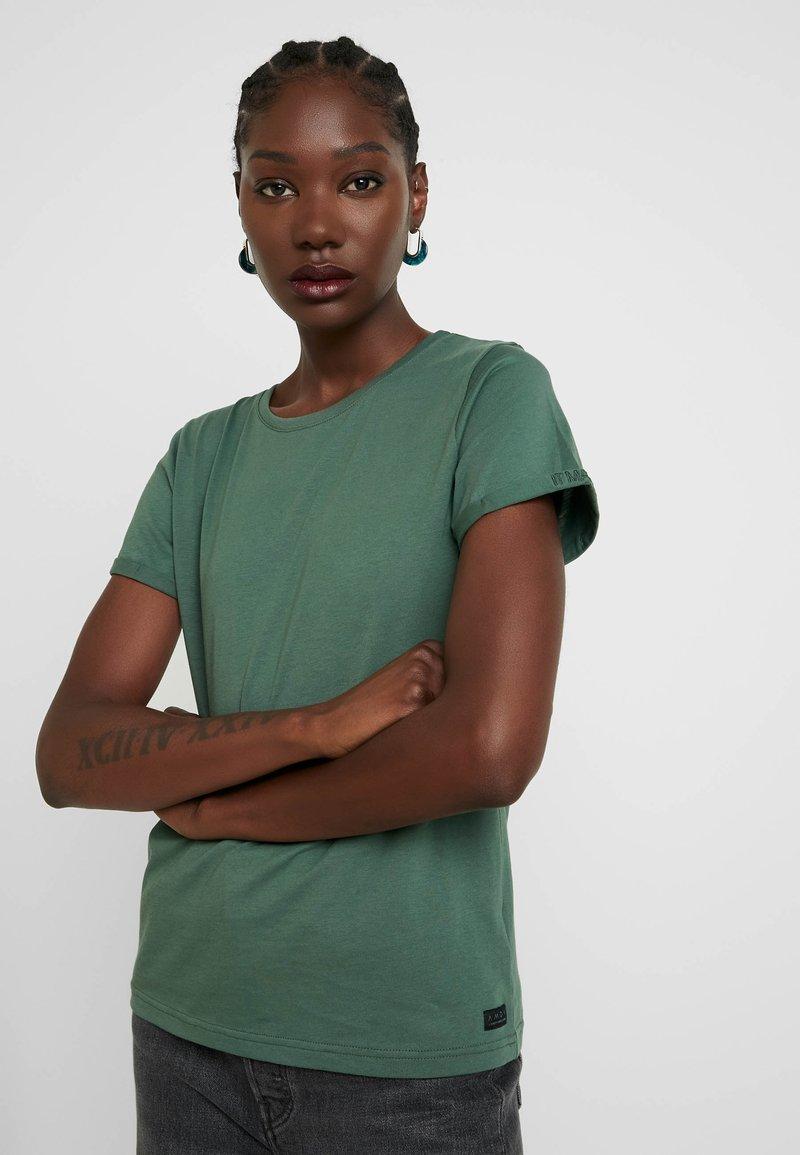 AMOV - IT MATTERS TEE - T-shirt basique - bottle green