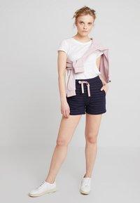 AMOV - ALFA BRETON - Shorts - blue - 1
