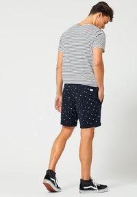 America Today - STEFAN - Shorts - navy - 1