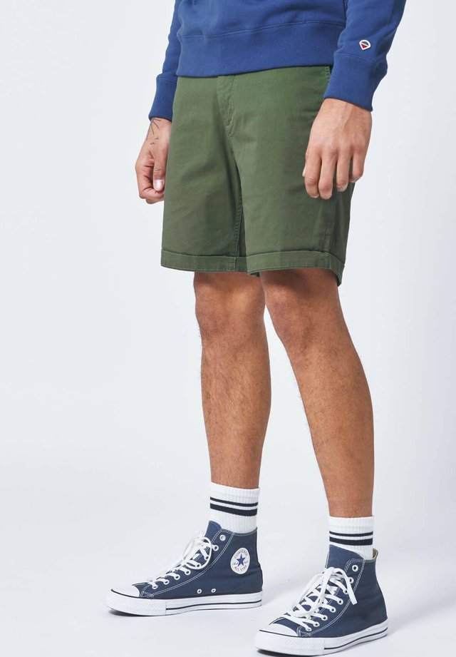 STEFAN - Shorts - army