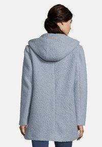 Amber & June - MIT KAPUZE - Short coat - dusty blue - 2