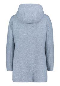Amber & June - MIT KAPUZE - Short coat - dusty blue - 4