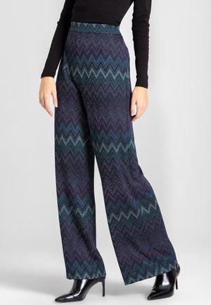 VULNINA - Pantalon classique - lila