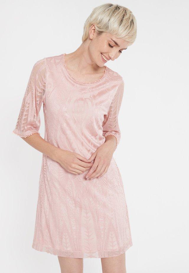 SARIVEI - Korte jurk - rose