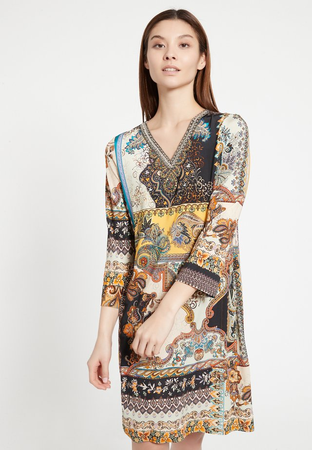 AWANA - Day dress - bunt