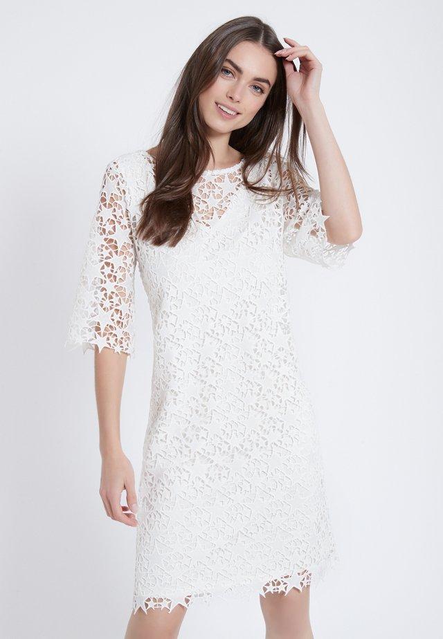 ADNA - Day dress - weiß