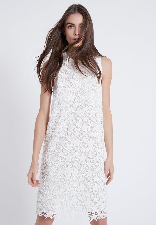 ADYL - Day dress - weiß