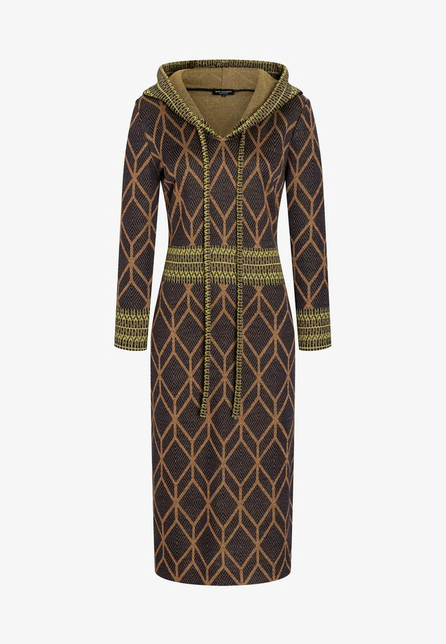 BEEKA - Jumper dress - braun