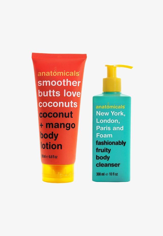FOAM BODY CLEANSER & BODY CREAM SET - Moisturiser - neutral