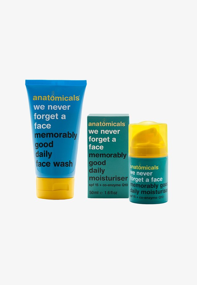WE NEVER FORGET A FACE GLYCOLIC SET - Gesichtspflegeset - neutral