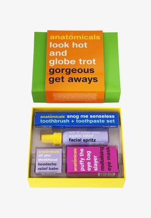 LOOK HOT & GLOBETROT SET - Skincare set - neutral
