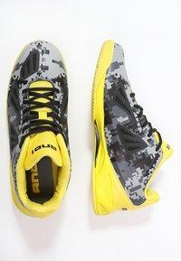 AND1 - XCELERATE  - Basketbalschoenen - black/asphalt/yellow - 1