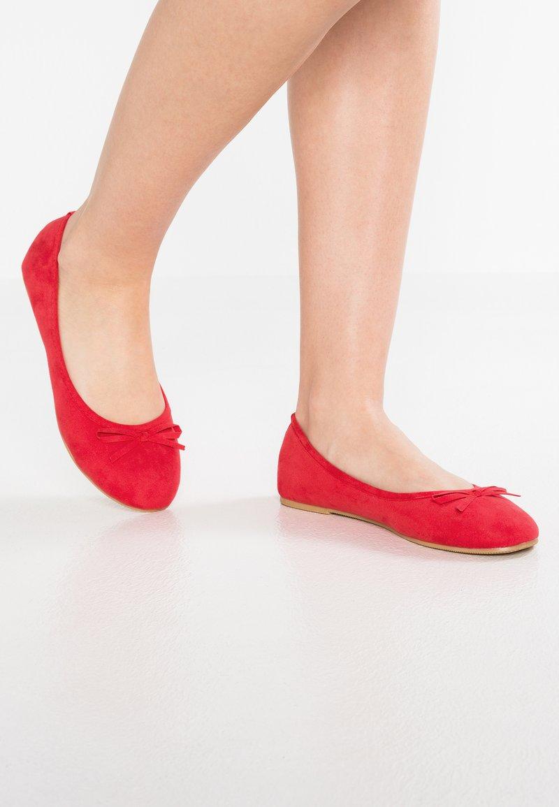 Anna Field - Bailarinas - poppy red