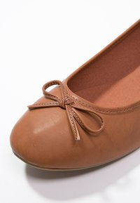 Anna Field - Ballet pumps - cognac - 2