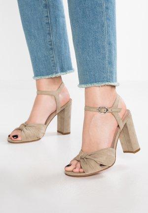 High heeled sandals - oliv