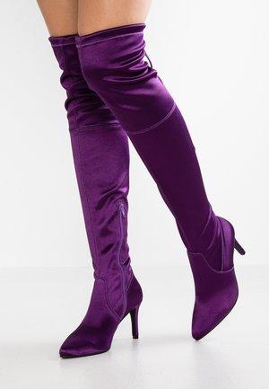 High heeled boots - lilac