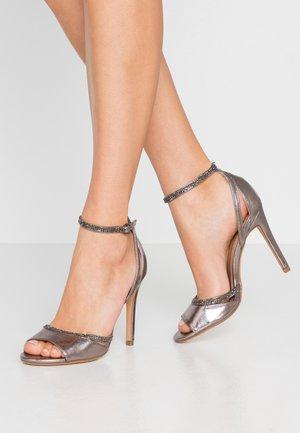 Sandaler med høye hæler - gunmetal
