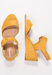 Anna Field - Sandalen met sleehak - yellow - 3