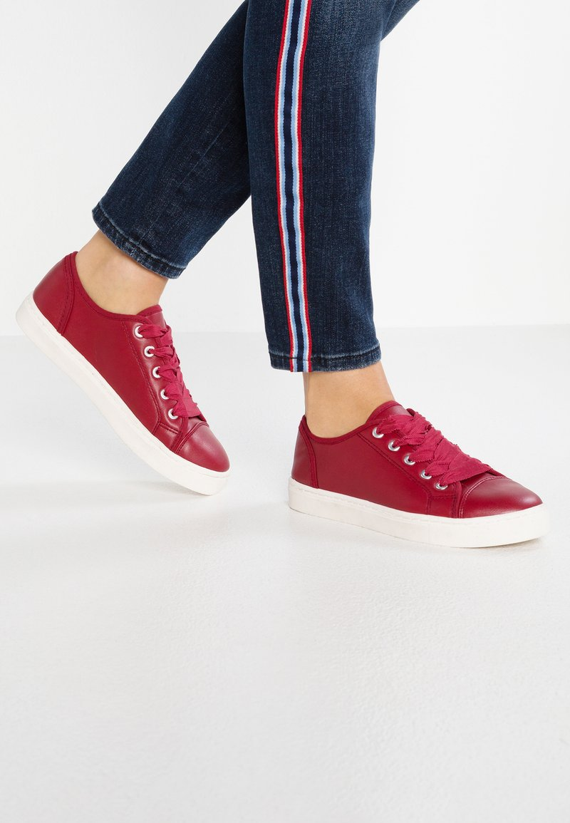 Anna Field - Trainers - red