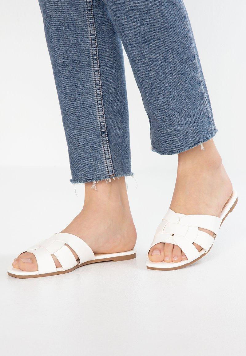 Anna Field - Pantolette flach - white
