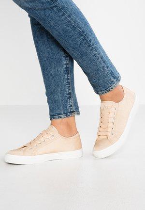 Zapatillas - gold