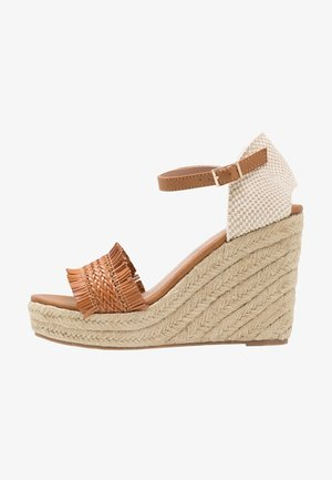 High heeled sandals - cognac