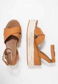 Anna Field - Korkeakorkoiset sandaalit - cognac - 3