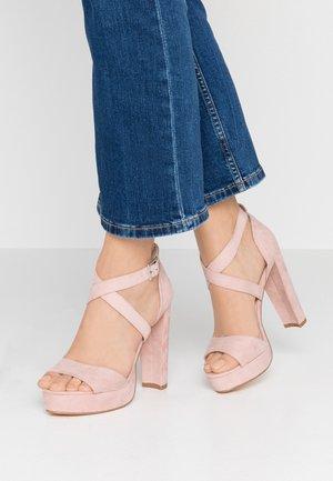 Sandály na vysokém podpatku - rose