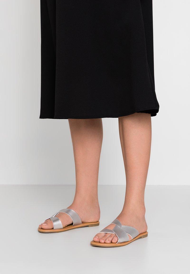 Anna Field - Pantolette flach - silver