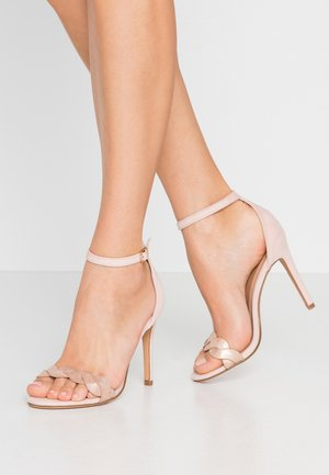 High heeled sandals - rose
