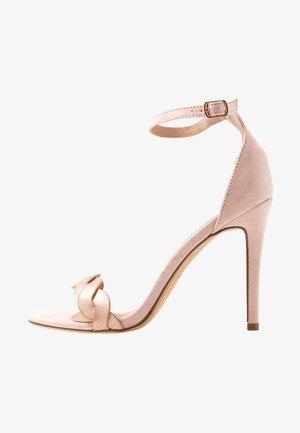 Sandaler med høye hæler - rose