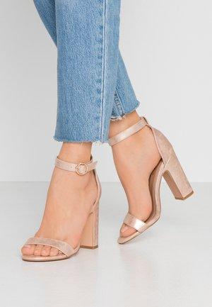 Sandalen met hoge hak - rose gold
