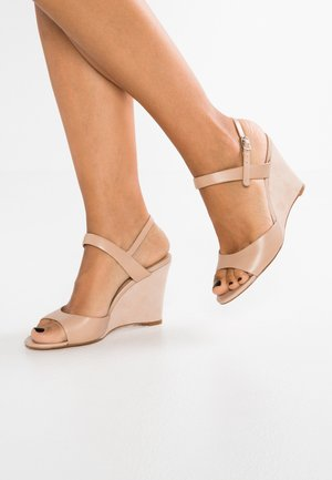 LEATHER HEELED SANDALS - Sandaler med høye hæler - nude