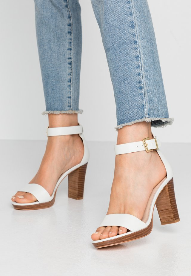 LEATHER HEELED SANDALS - High heeled sandals - white