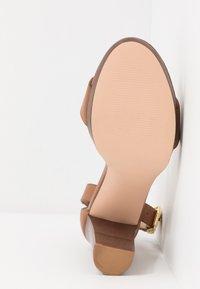Anna Field - LEATHER HEELED SANDALS - High Heel Sandalette - cognac - 6