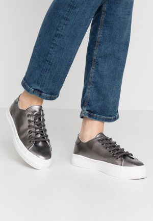 Trainers - gunmetal