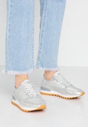 Zapatillas - offwhite