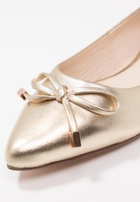Anna Field - LEATHER BALLERINAS - Ballerines - gold - 2