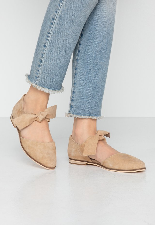 LEATHER ANKLE STRAP BALLET PUMPS - Ankle strap ballet pumps - beige