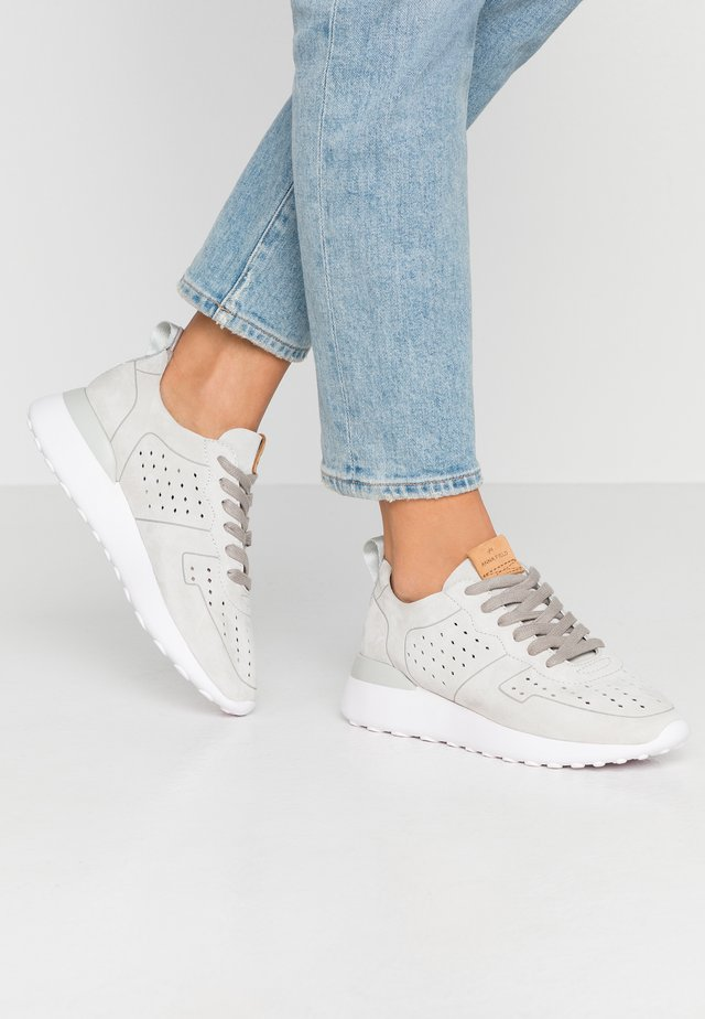 LEATHER SNEAKERS - Trainers - grey
