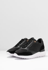 Anna Field - LEATHER SNEAKERS - Matalavartiset tennarit - black - 4