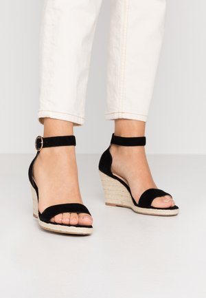 LEATHER - Sandalen met sleehak - black