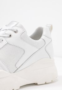 Anna Field - LEATHER TRAINERS - Trainers - white - 2