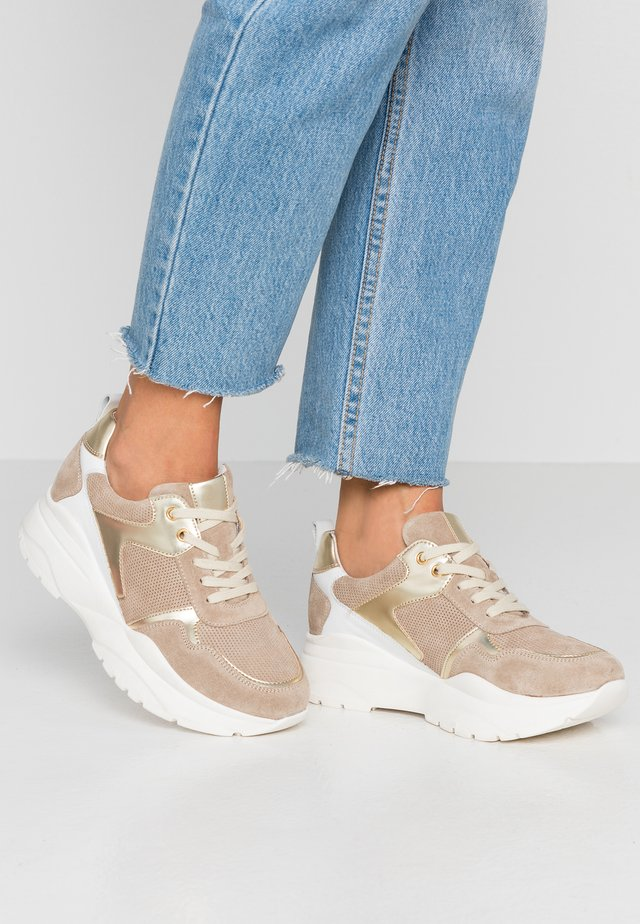 LEATHER TRAINERS - Sneakers laag - brown