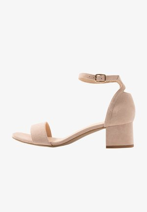 LEATHER SANDALS - Sandalias - nude