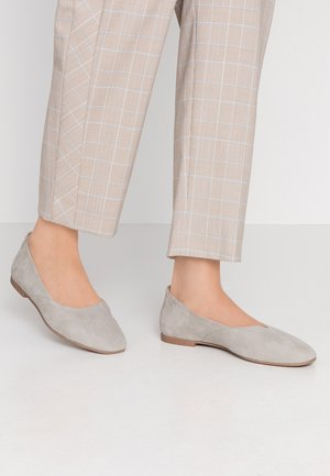 LEATHER BALLET PUMPS - Bailarinas - grey