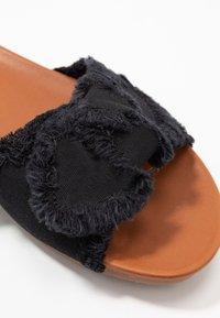 Anna Field - Pantolette flach - black - 2