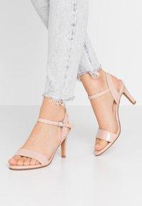 Anna Field - Korolliset sandaalit - nude - 0