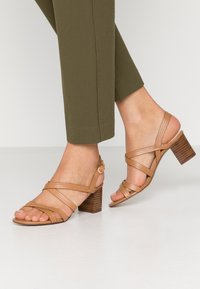 Anna Field - LEATHER SANDALS - Sandalias - cognac - 0